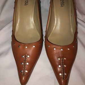 Michale Kors Vero Cuoio Leather Studded Tan Heels